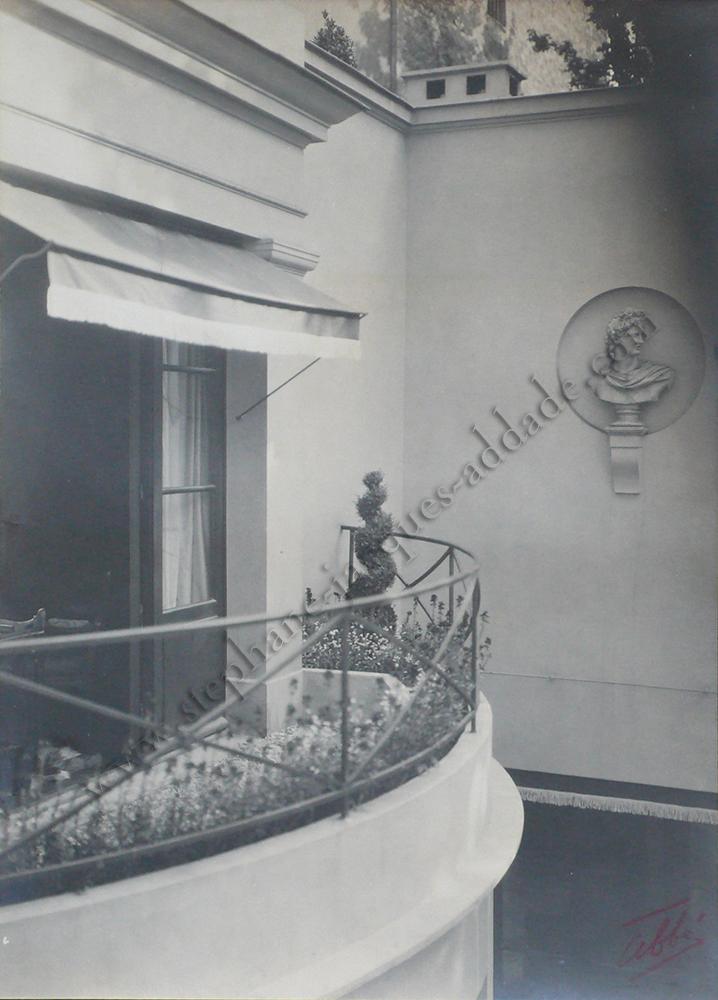 James E. Abbe - Le balcon de la chambre de Mme Bernard Boutet de Monvel au dessus de la salle à manger. 1927