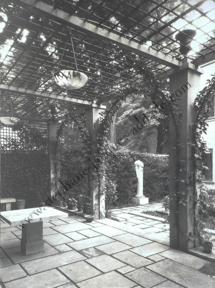 James E. Abbe - La pergola et la Corè de Samos. 1927